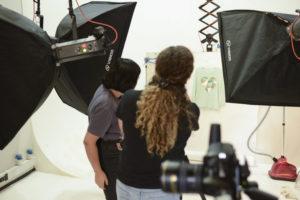 fotografiar prendas de vestir fotografía publicitaria fotografía de estudio